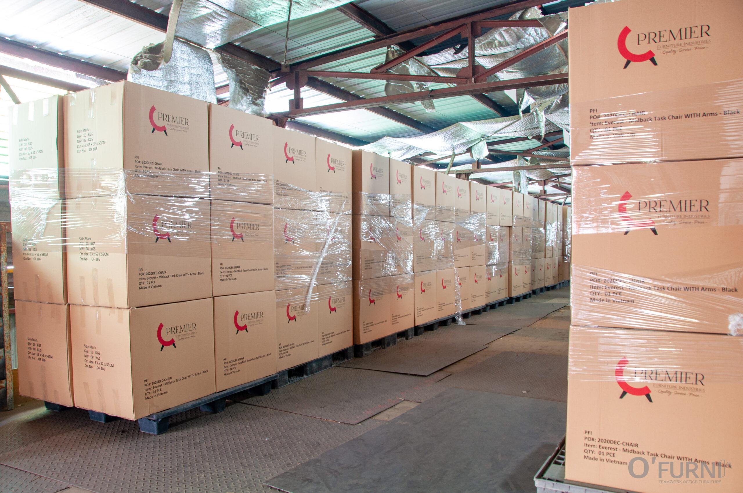 D'FURNI xuất khẩu ghế văn phòng đầu tiên qua Mỹ